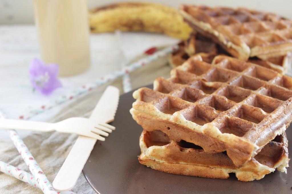 Gaufre la banane sans sucre ni beurre ni gluten - Recette de gaufre sans beurre ...